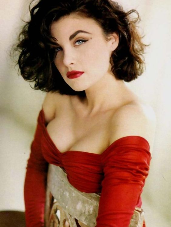 Sex Symbols of the 1990s – Sherilyn Fenn